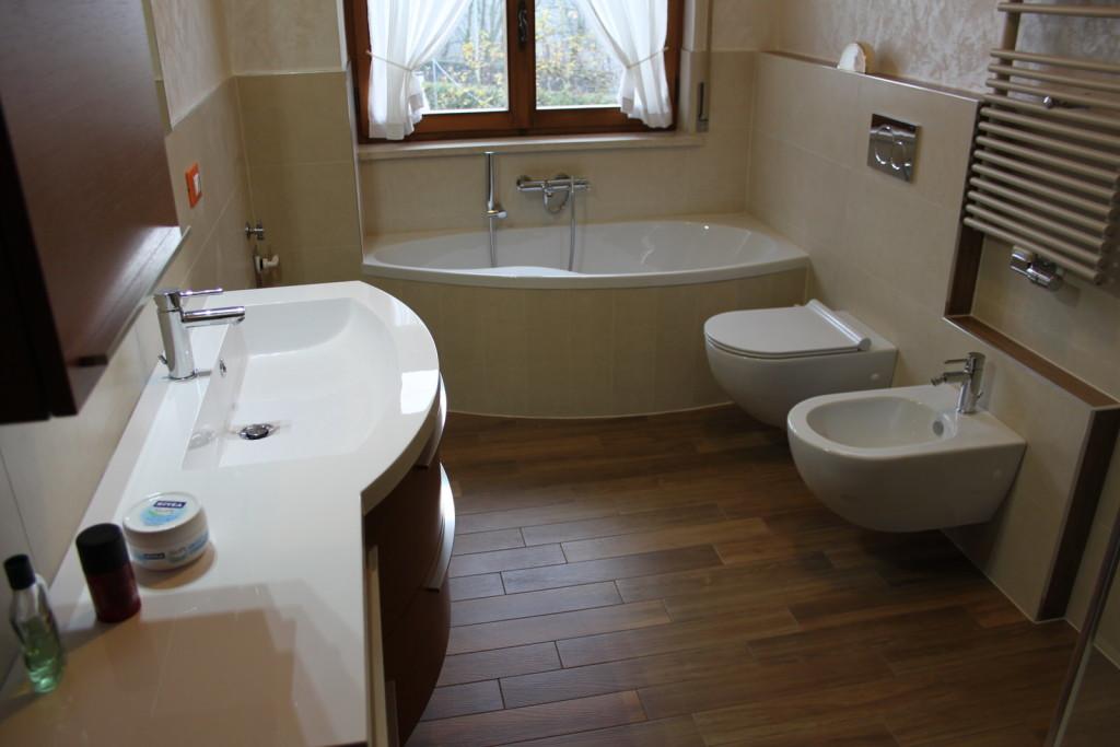 Preventivi per la ristrutturazione del bagno come - Idee per piastrellare un bagno ...