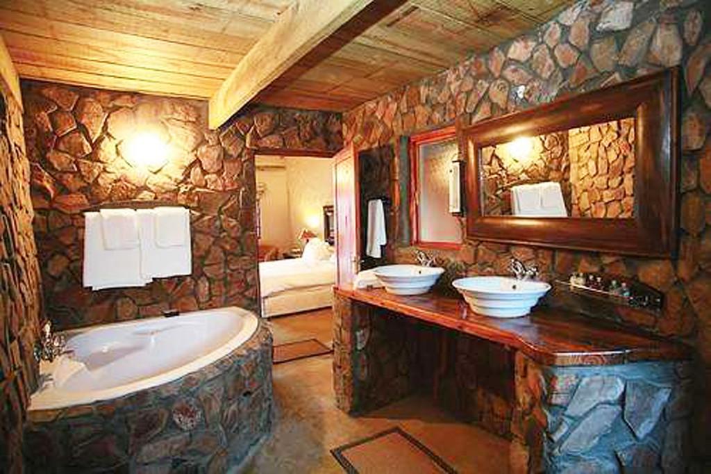 il bagno in toscana come arredarlo in un casale tipico