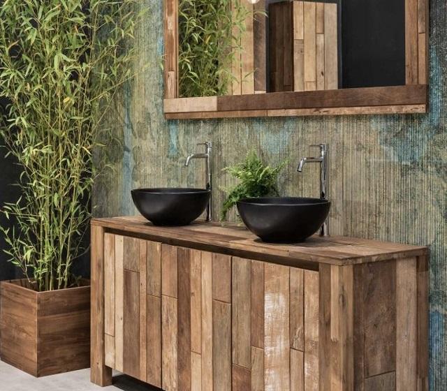 Mobile da bagno realizzato con legno di recupero